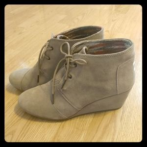 TOMS Desert Wedge Suede Lace-Up Boot